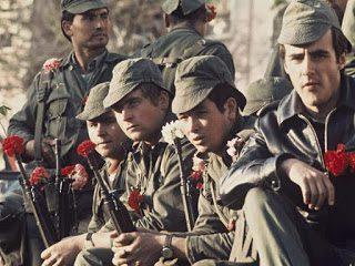 Portugal: Contra la dictadura de antes y de ahora. 42º aniversario de la Revolución de los claveles.