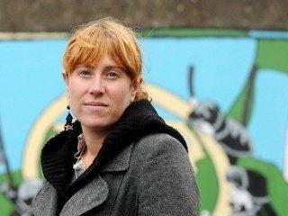 Francia – Comunicado del NPA: no a la orden de detención de Emilie Martin