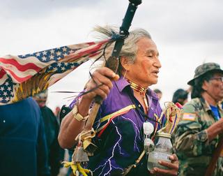 Los nativos logran frenar el oleoducto en Dakota del Norte