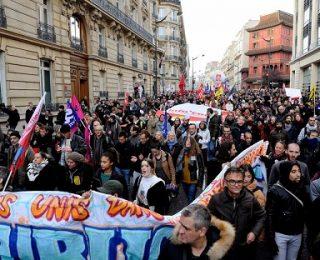La marcha hacia el Elíseo del Front Social en Francia
