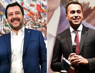 El torbellino transalpino que no cesa y el abrazo inacabado de Di Maio y Salvini