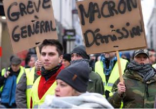 La rabia sigue en la calle: expresémosla también en los centros de trabajo. 5 de febrero, huelga general contra Macron