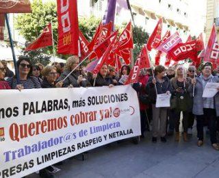Trabajadoras de limpieza de 85 institutos del País Valencià en huelga indefinida para reclamar las nóminas