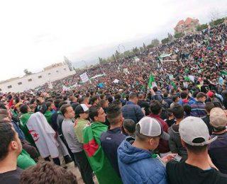 Viva la revuelta del pueblo y la juventud en Argelia
