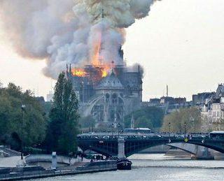 Notre-Dame de París: hipocresía total