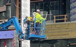 Trabajador@s de la construcción de Nueva Inglaterra, EEUU, se retiran y exigen protección contra el Covid