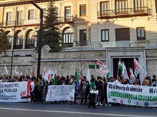 Hay que tumbar el decreto de escolarización de la Junta de Andalucía y exigir una educación 100% pública