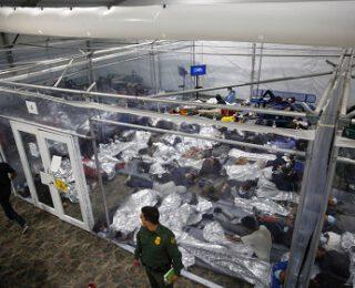 La guardia fronteriza en EEUU retiene a más de 1000 menores no acompañados, el mayor nivel desde abril